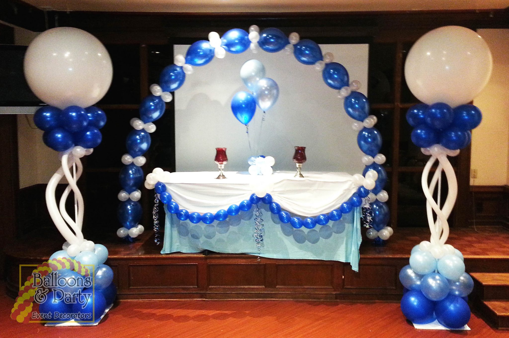 Linky Balloon Arch With Columns