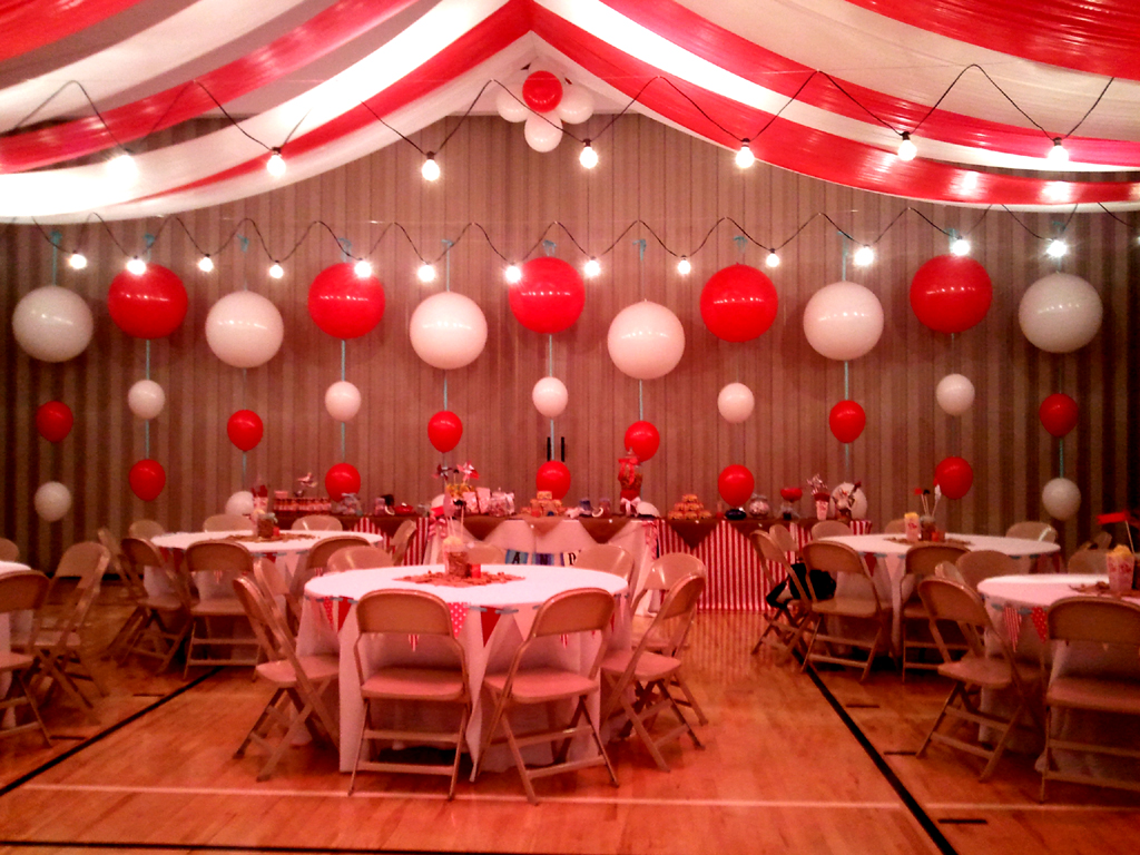 Balloon backdrop ideas balloons party decorations for Party backdrop ideas