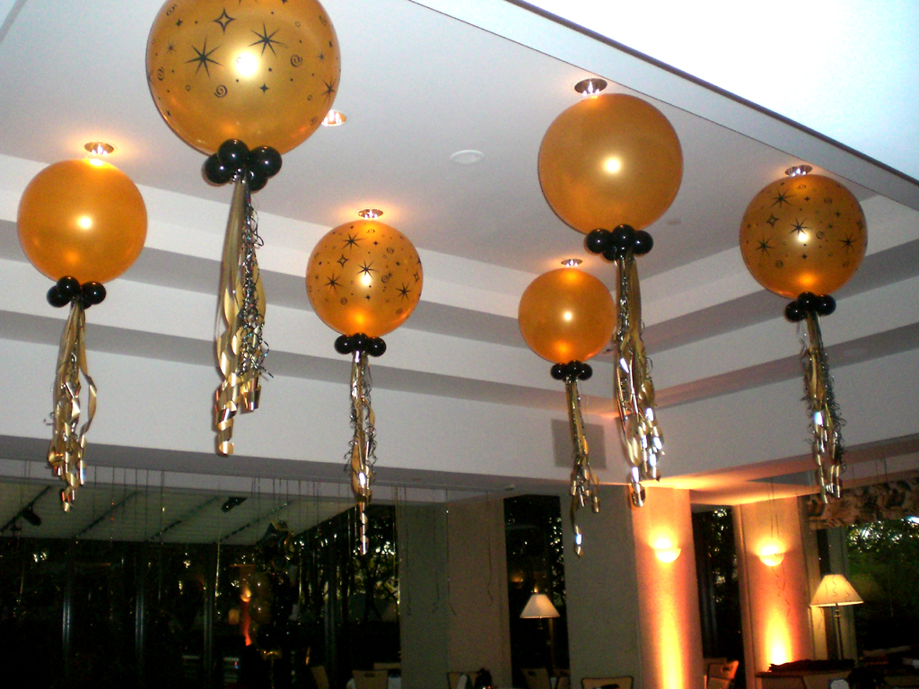 Balloon ideas photo albums balloon arch column wedding for Decoration ideas