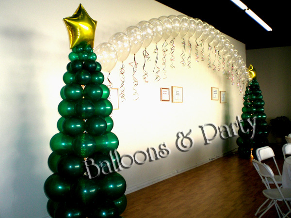 balloon sculpture christmas trees arch