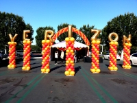 Verizon Name Spiral Balloon Columns
